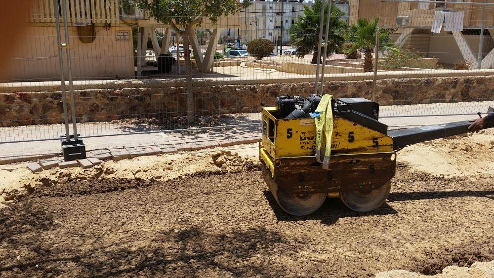 אדמת מבנה CU Soil מיושמת כבית גידול לעצי רחוב